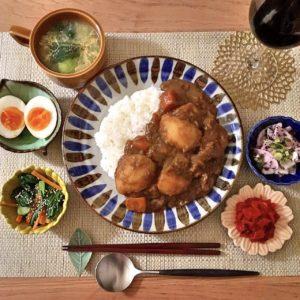 盛り付け|89.晩ごはんレシピ:【20分】肉じゃがカレー、青梗菜と人参のナムル