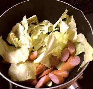 キャベツとソーセージ|126.晩ごはんレシピ【30分】ペペロンチーノ、きゅうりとささみのサラダ