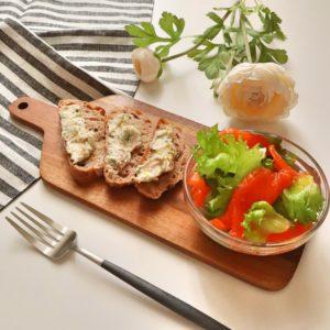 盛り付け|156.朝ごはんレシピ:【10分】クリームチーズとツナとねぎのカナッペ